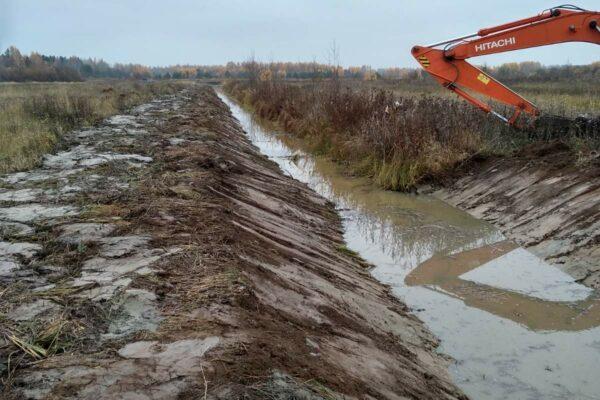 Расчистка мелиоративных каналов в д. Климитино Макарьевского района